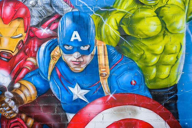 Mural Avengers captain america painted on the wall